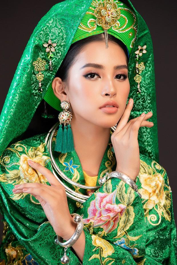 Hoa hậu Tiểu Vy múa điệu Chầu Văn Cô đôi thượng ngàn trong phần thi Dance Of The World - Ảnh 5.