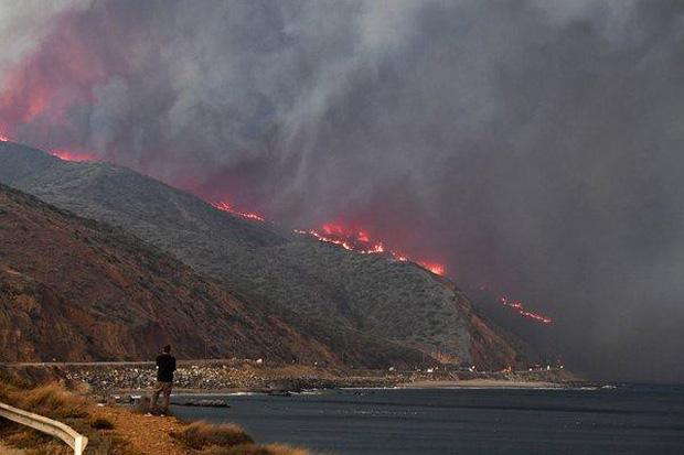 Cháy rừng tại California: Khu nhà giàu thất thủ, hàng loạt dinh thự triệu đô của đại gia và celeb bị thiêu trụi - Ảnh 7.