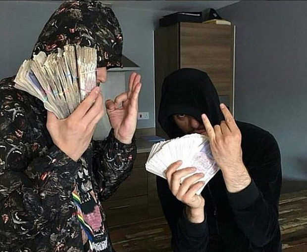 Đua đòi rich kid, băng nhóm buôn ma tuý đăng loạt ảnh tiền vàng sang chảnh lên Instagram - Ảnh 6.