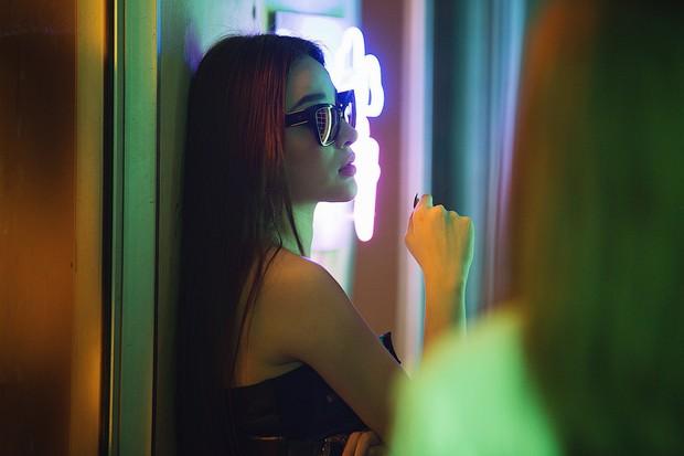 Hạnh Sino hoá thân sát thủ, mời Huyền Baby, Milan Phạm đóng MV như phim hành động - Ảnh 3.