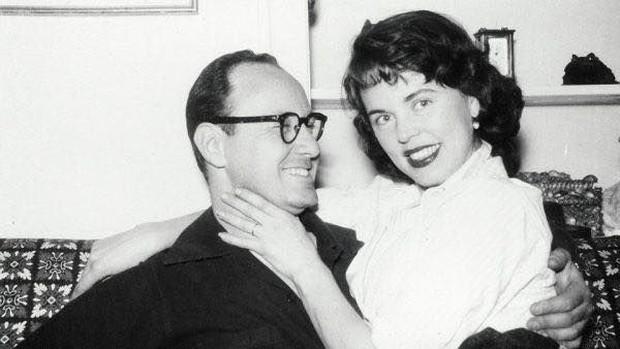 Mối tình kỳ diệu nhất Hollywood của Stan Lee: Yêu từ khi chưa gặp mặt, mất 2 tuần để đập chậu cướp hoa rồi bên nhau 70 năm không rời - Ảnh 2.