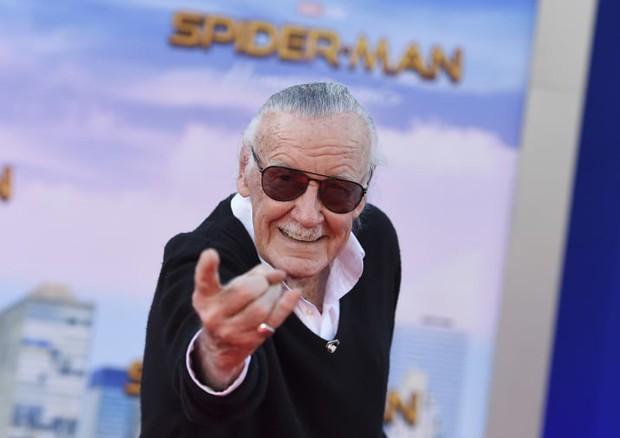 Những năm tháng cuối đời của Stan Lee: Bị vu cáo quấy rối tình dục và chính con gái ruột bòn rút tài sản - Ảnh 1.