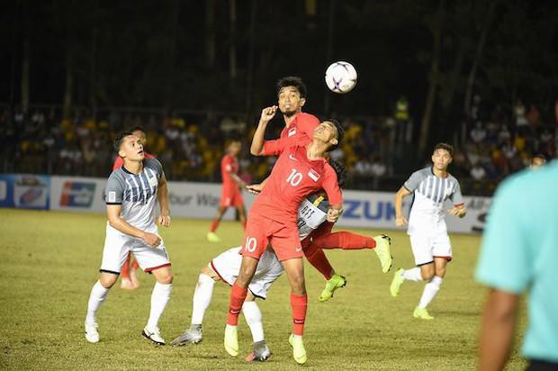 Thủ môn đẳng cấp Ngoại hạng Anh giúp Philippines hạ Singapore ở trận ra quân AFF Cup 2018 - Ảnh 2.