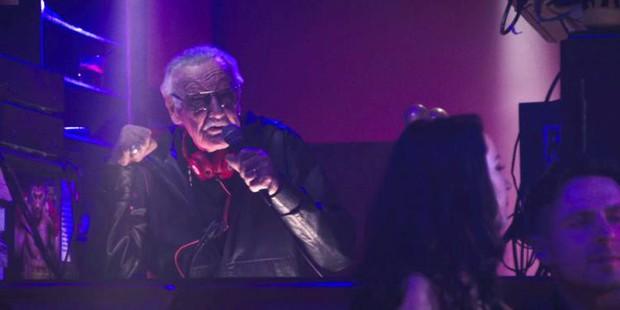 Nhìn lại gia tài vai diễn cameo trên màn ảnh rộng đầy thú vị của thiên tài Stan Lee - Ảnh 23.