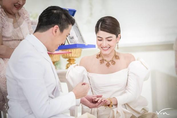 Minh tinh Thái lấy chồng siêu giàu: Người được cung phụng như bà hoàng, kẻ lấy bố của bạn, ly hôn trong thị phi - Ảnh 30.
