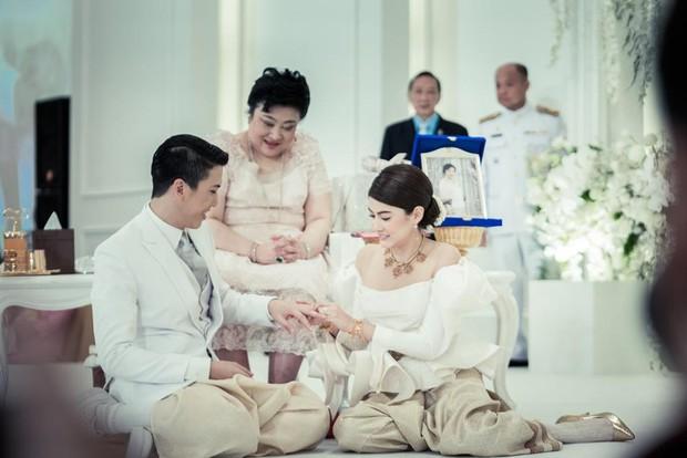 Minh tinh Thái lấy chồng siêu giàu: Người được cung phụng như bà hoàng, kẻ lấy bố của bạn, ly hôn trong thị phi - Ảnh 31.