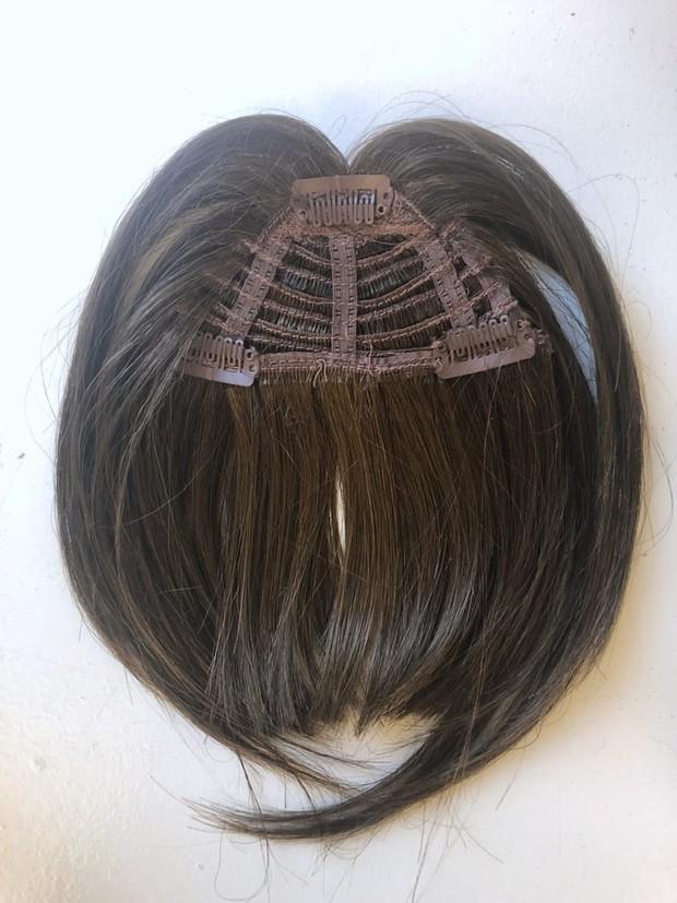 Diện thử tóc mái giả, cô nàng này đã phải bất ngờ vì kết quả tự nhiên và lừa được khối đồng nghiệp - Ảnh 3.