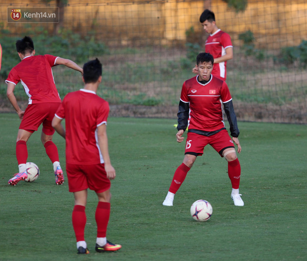Thần y người Hàn Quốc sang chi viện cho tuyển Việt Nam trước trận đấu với Malaysia - Ảnh 10.