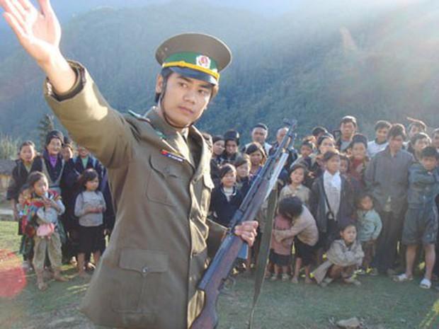 Bất ngờ với nhan sắc soái ca của diễn viên đóng bố dượng Quỳnh Búp Bê trong loạt ảnh thời trai trẻ - Ảnh 6.