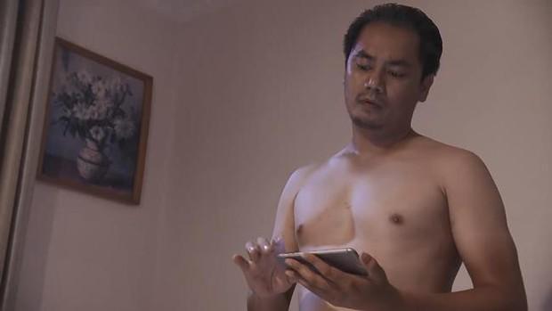 Bất ngờ với nhan sắc soái ca của diễn viên đóng bố dượng Quỳnh Búp Bê trong loạt ảnh thời trai trẻ - Ảnh 2.