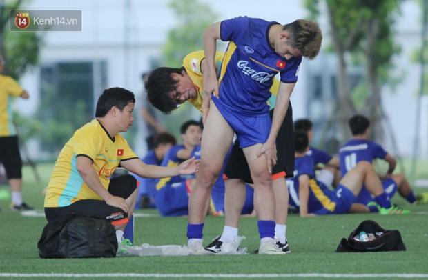 Thần y người Hàn Quốc sang chi viện cho tuyển Việt Nam trước trận đấu với Malaysia - Ảnh 5.