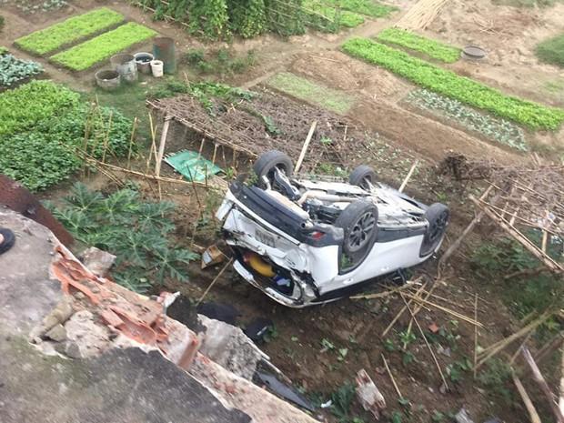 Ninja tối thượng: Nữ tài xế lùi xe CX-5 bay qua lan can cầu lao xuống sông, người may mắn chỉ bị thương nhẹ - Ảnh 2.