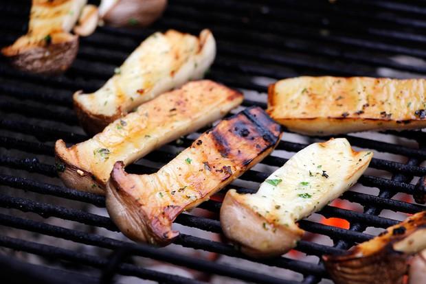 14 món ăn dưới 100 calo lại dễ chế biến, bạn ăn thoải mái mà không sợ tăng cân - Ảnh 1.