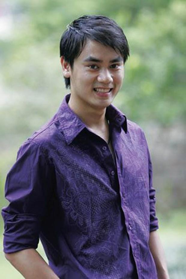 Bất ngờ với nhan sắc soái ca của diễn viên đóng bố dượng Quỳnh Búp Bê trong loạt ảnh thời trai trẻ - Ảnh 4.