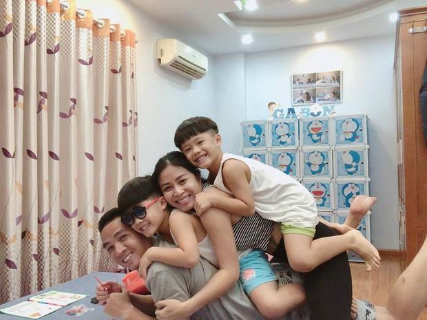 Trước khi công bố chia tay, MC Hoàng Linh vẫn liên tục cập nhật hình ảnh hạnh phúc với hôn phu lên Facebook - Ảnh 11.