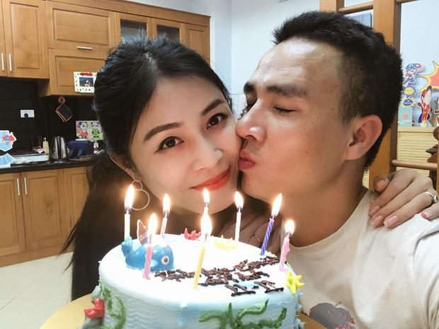 MC Hữu Bằng bất ngờ ẩn ý về một cô MC lục đục hôn nhân, cho rằng yêu đương khoe lên Facebook thì được mấy hôm - Ảnh 1.