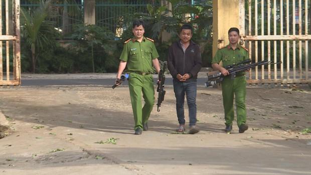 Đột kích, triệt phá xưởng chế tạo hàng loạt súng khủng ở Đắk Lắk - Ảnh 1.