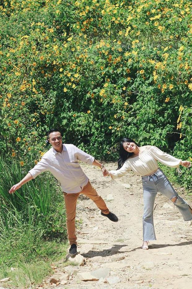 Trước khi công bố chia tay, MC Hoàng Linh vẫn liên tục cập nhật hình ảnh hạnh phúc với hôn phu lên Facebook - Ảnh 16.