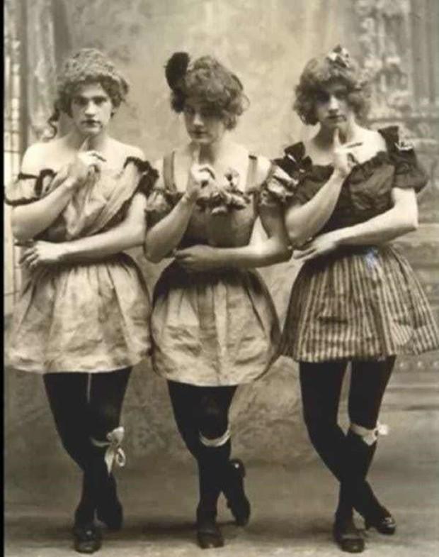 Chụp ảnh 100 năm trước: Nếu cho rằng người xưa chỉ biết ngồi thẳng lưng chụp ảnh thì hãy xem những dáng pose đỉnh cao này - Ảnh 9.
