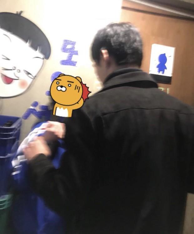 Hàn Quốc: 2 cô gái trẻ bị 4 người đàn ông tấn công chỉ vì vẻ ngoài thiếu nữ tính và để tóc ngắn, người dân bức xúc yêu cầu Nhà Xanh vào cuộc - Ảnh 2.