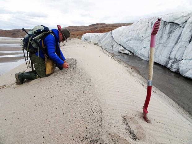 Phát hiện hố thiên thạch rộng 31 km tại Greenland, tạo thành bởi một cục sắt nặng 10 tỉ tấn từ trên trời rơi xuống - Ảnh 2.