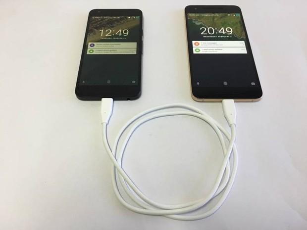 iPad Pro mới có thể sạc pin cho iPhone? Galaxy Note9 đã có tính năng này từ rất lâu rồi - Ảnh 3.
