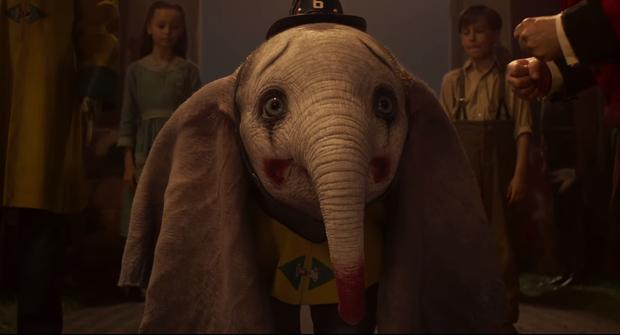 Chú voi biết bay Dumbo cute như một sinh vật huyền bí thuộc ở thế giới phép thuật trong trailer vừa tung - Ảnh 6.
