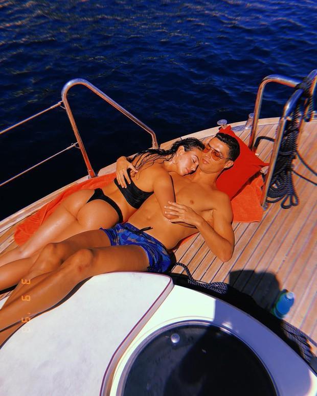 Thông tin về cô gái vừa được Cristiano Ronaldo cầu hôn: Người mẫu 9X thân hình nóng bỏng, cha là trùm ma túy - Ảnh 5.