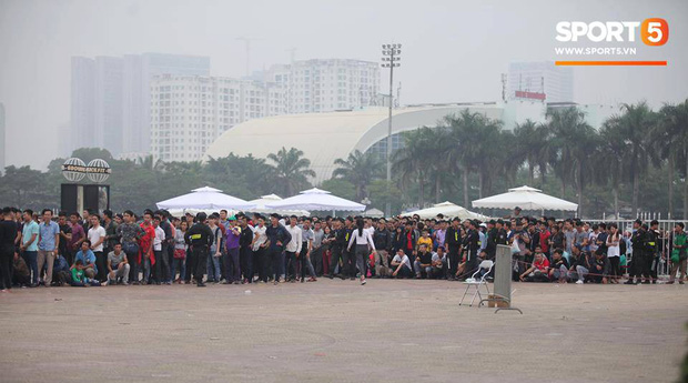 Tiền vệ Quang Hải hứa với người hâm mộ sẽ chiến đấu hết mình ở trận gặp Malaysia - Ảnh 1.