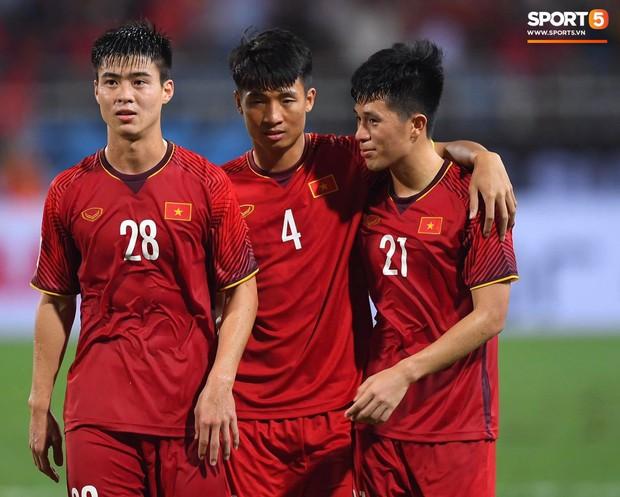 Sau chiến thắng trước Malaysia, Trọng Ỉn lại trở về bên vòng tay của Tư Dũng - Ảnh 4.