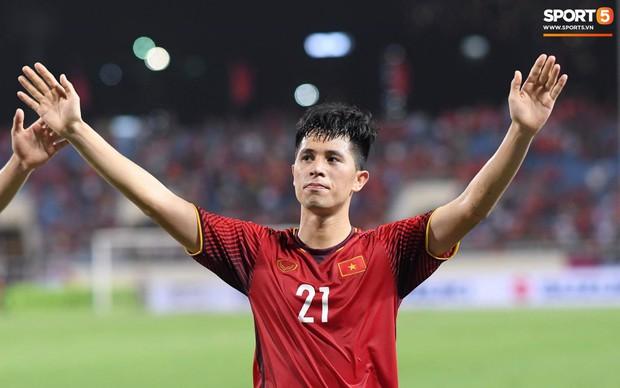 Sau chiến thắng trước Malaysia, Trọng Ỉn lại trở về bên vòng tay của Tư Dũng - Ảnh 5.