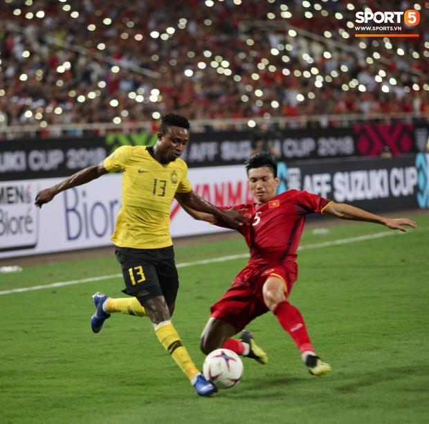 Đừng vội ăn mừng sau trận thắng Malaysia, tuyển Việt Nam sẽ phải đối diện án phạt vì những hành động thiếu kiềm chế này! - Ảnh 4.