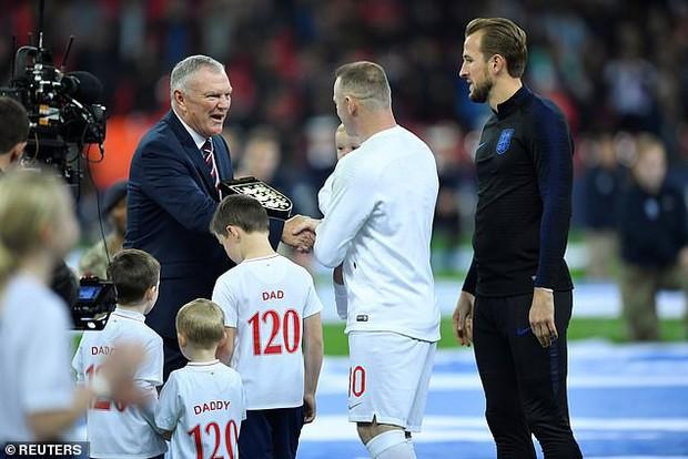 ĐT Anh thắng đậm Mỹ trong ngày chia tay đầy xúc động của Wayne Rooney - chân sút tốt nhất lịch sử Tam sư - Ảnh 2.