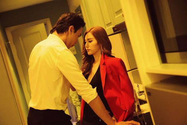 Thêm một MV gây khó cho người xem: Hạnh Sino tìm đến thế giới ảo, ám sát người yêu cũ để chấm dứt quá khứ - Ảnh 3.