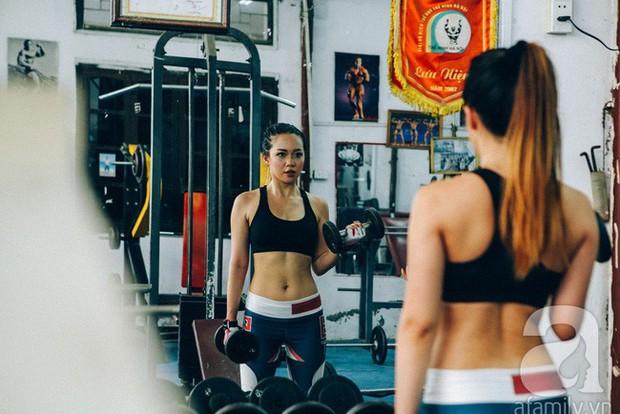Chỉ sau 2 tuần tập gym kết hợp ăn low carb, cô gái đã thấy điều kì diệu với cơ bụng của mình - Ảnh 2.