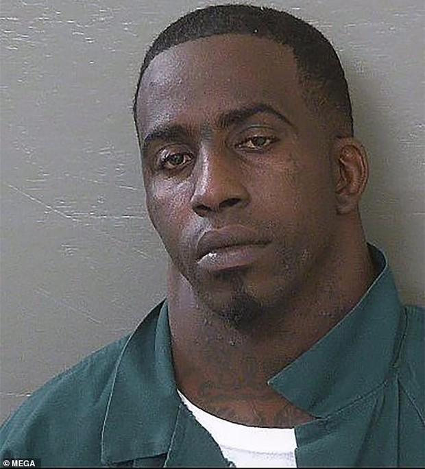 Thanh niên tội phạm có cái cổ to như sân bóng đá trở thành hiện tượng MXH Mỹ - Ảnh 4.