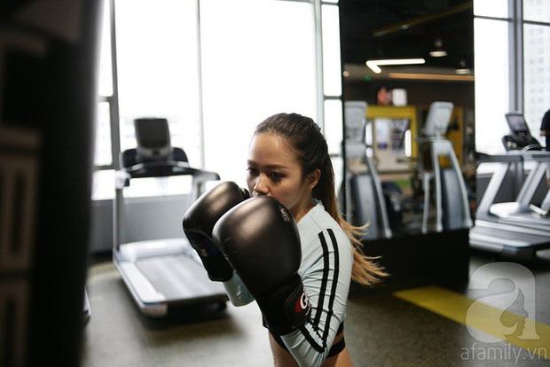Chỉ sau 2 tuần tập gym kết hợp ăn low carb, cô gái đã thấy điều kì diệu với cơ bụng của mình - Ảnh 14.