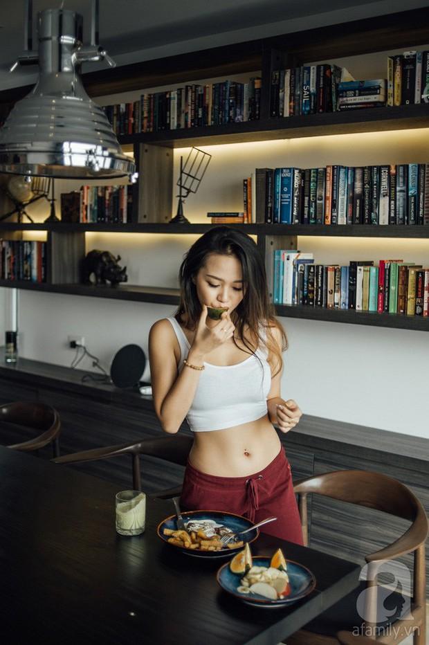 Chỉ sau 2 tuần tập gym kết hợp ăn low carb, cô gái đã thấy điều kì diệu với cơ bụng của mình - Ảnh 18.
