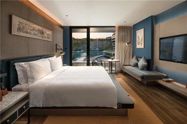 Khai trương khách sạn dưới lòng đất đầu tiên trên thế giới - Ảnh 5.