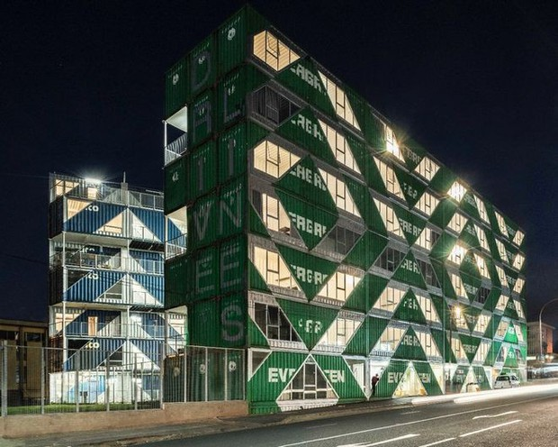 """Tham quan """"khu chung cư"""" độc đáo tại Nam Phi, nơi cư dân sinh sống trong 140 container đầy đủ tiện nghi - Ảnh 6."""