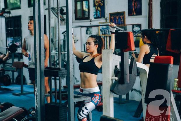 Chỉ sau 2 tuần tập gym kết hợp ăn low carb, cô gái đã thấy điều kì diệu với cơ bụng của mình - Ảnh 12.