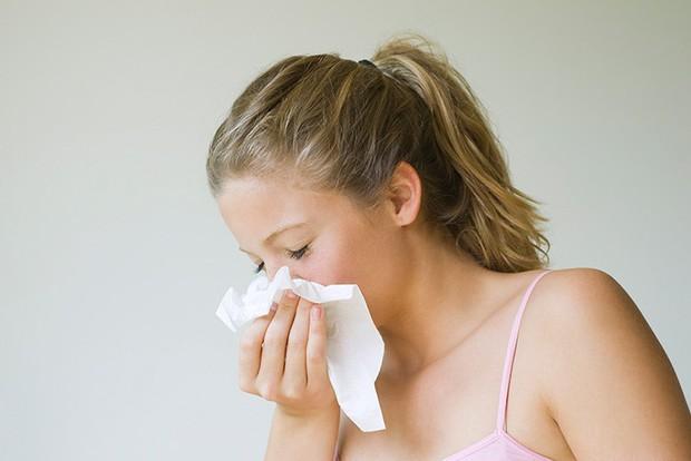 Có những dấu hiệu này thì nên cẩn thận vì có thể bạn đã mắc bệnh viêm mũi xoang - Ảnh 1.