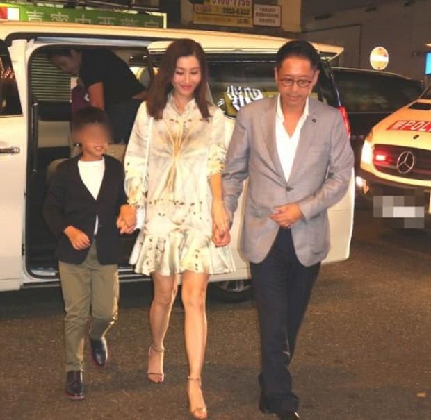 Lấy chồng đại gia, Hoa hậu đẹp nhất lịch sử Hong Kong khoe nhan sắc U50 sang chảnh, mặn mà - Ảnh 6.