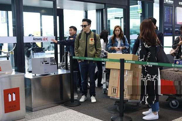 Vợ chồng Viên Vịnh Nghi - Trương Trí Lâm cãi nhau tại sân bay, mặt nặng mày nhẹ cả dọc đường - Ảnh 7.