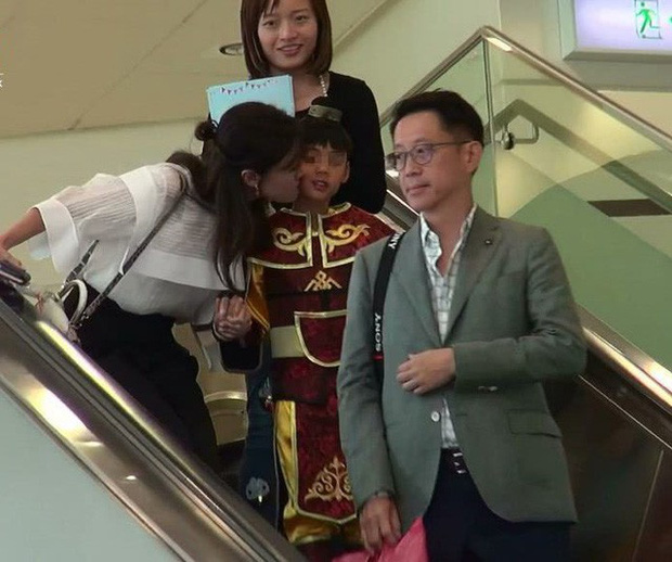 Lấy chồng đại gia, Hoa hậu đẹp nhất lịch sử Hong Kong khoe nhan sắc U50 sang chảnh, mặn mà - Ảnh 7.