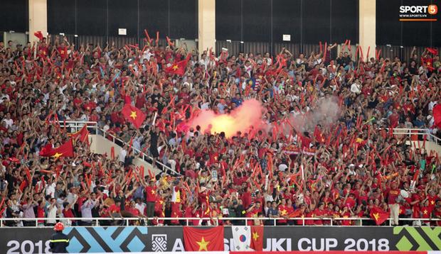 Cổ động viên Myanmar thỉnh cầu fan Việt Nam đừng mang pháo sáng đến sân - Ảnh 1.