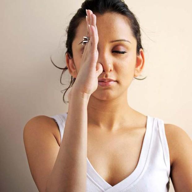Có những dấu hiệu này thì nên cẩn thận vì có thể bạn đã mắc bệnh viêm mũi xoang - Ảnh 4.