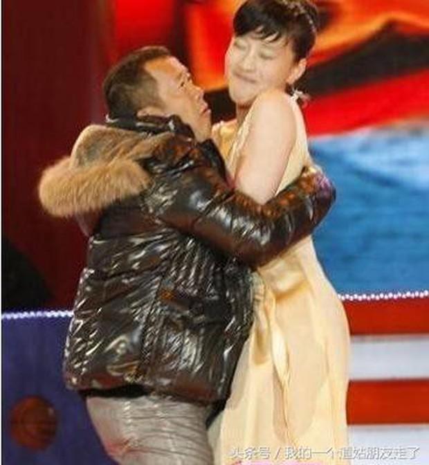 Loạt hình ảnh nhạy cảm của kẻ cưỡng hiếp Lam Khiết Anh với nhiều sao nữ bị khui lại - Ảnh 7.
