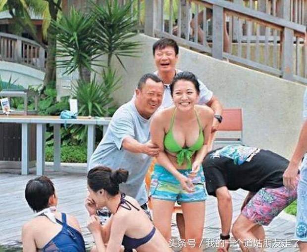 Loạt hình ảnh nhạy cảm của kẻ cưỡng hiếp Lam Khiết Anh với nhiều sao nữ bị khui lại - Ảnh 6.