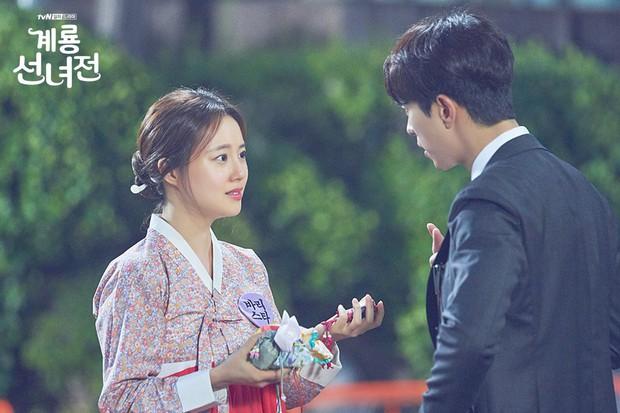 5 lí do khiến bạn không thể không yêu cô tiên Moon Chae Won chờ chồng trăm năm để đòi lại xiêm y - Ảnh 8.